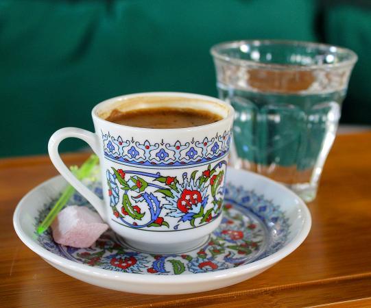 طرز تهیه قهوه ترک با قهوه مهمت افندی ترکیه
